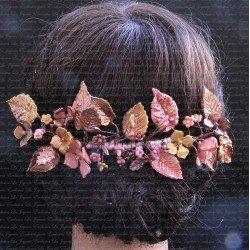 Corona de flores de porcelana Cameron